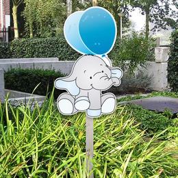 Geboortebord van olifantje met blauwe ballon voor in de tuin