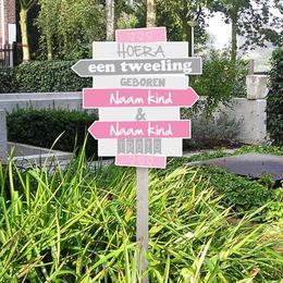 Geboortebord voor in de tuin wegwijzerbordjes meisjes tweeling