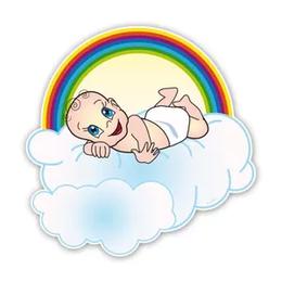 Geboorteborden baby op wolk met regenboog