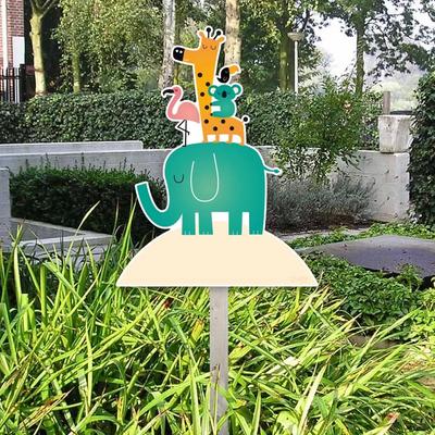 Geboorte tuinbord gezellige beestelboel met een olifant, giraffe, flamingo en koala